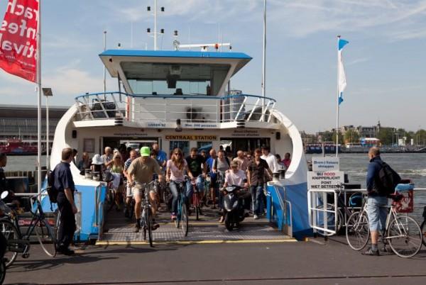 Bicicleta e barco